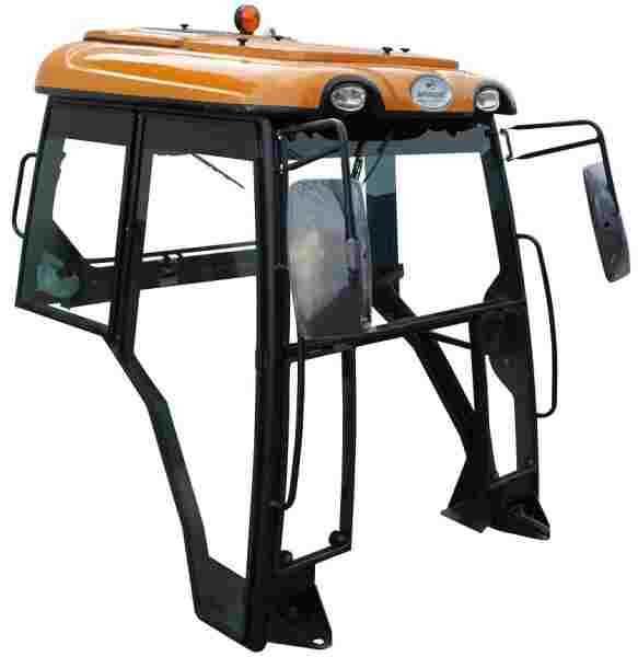 A Cabina Agroleite foi desenvolvida visando controle de temperatura, pureza do ar e níveis de ruído em um ponto confortável de trabalho, proteção do operador contra irradiação solar, intempéries, impactos, objetos cadentes, evento de capotamento e maximiz